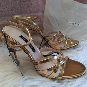 NWT Zara SS18 Laminated gold Stiletto Sandals